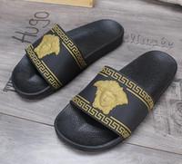 besten designer-sandalen großhandel-Designer Sandalen Marke Men Beach Slide Sandalen Scuffs Slippers Herren schwarz weiß rot Gold Beach Fashion Slipper Designer Sandalen BEST QUALITÄT