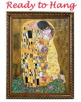 gustav klimt öl handgemälde großhandel-Gustav Klimt Leinwand Kunst Ölgemälde Reproduktion Der Kuss berühmte moderne Malerei gestreckt und gerahmt Wohnzimmer Dekor handgemalt
