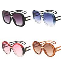 çok renkli yuvarlak güneş gözlüğü toptan satış-Renk Çarpışma Güneş Gözlüğü Adam Ve Kadın Eyewears Yuvarlak Kare Gözlük Plastik Çerçeve Windbreak Çok Renkler Basit Moda 10jhb D1