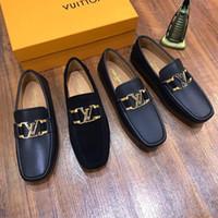 zapatos de ciclismo de cuero para hombre al por mayor-Nueva moda de lujo de los zapatos corrientes del mens ciclismo zapatos de cuero reales guisantes botón plano de metal de zapato ocasional clásico de alta calidad