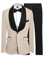 schwarze tuxedo champagner krawatte großhandel-Champagner Groomsmen One Button Bräutigam Smoking Schal Schwarz Satin Revers Männer Anzüge Hochzeit Trauzeuge (jacke + Pants + Vest + Tie)