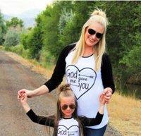 madre hija desgaste al por mayor-Camisa de madre e hija Ropa Ropa familiar Camiseta de manga larga con estampado de corazones Ropa para niños Costuras Mujeres Trajes de padres e hijos