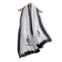 cachecol de seda de caxemira branca venda por atacado-Nova moda preto branco estampa floral cashmere olhar lenço das mulheres macio lenço de algodão de seda quente de alta qualidade outono lencos de seda
