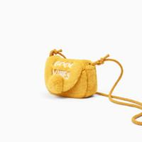 защелка с сумочкой оптовых-Детские сумки Мода магнитная оснастка Сумка Письмо печати Shell Shape Плечо сумки искусственного меха сумка девушка плюшевые Crossbody сумки GGA1674