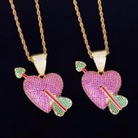 collier en or violet achat en gros de-Purple Heart avec Green Arrow Collier Pendentif Avec Corde Chaîne Or Couleur Hip hop Cubic Zircon Hommes Bijoux Pour Cadeau