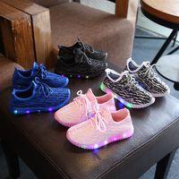 светящиеся кроссовки оптовых-Детская легкая спортивная обувь Baby Boys Girls Led Luminous Shoes Детские кроссовки весна-осень дышащая кроссовки LJJA3040