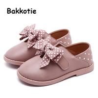 zapatos de vestir de niña rosa niños al por mayor-Bakkotie 2019 Otoño Niños Pu Zapatos de cuero Niñas Niño pequeño Lindo Polka Bowtie Pink Mary Jane Flats Nueva Princesa Moda Zapatos de vestir