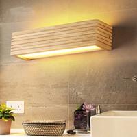 luces modernas de madera al por mayor-Luces de pared de madera modernas Cuarto de baño Lámpara de espejo Pasillo Wandlamp Luz de cama Iluminación de hogar nórdica aplique lámpara de pared vintage - I72