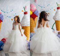 uzun kollu beyaz çiçek kız elbiseleri toptan satış-Sevimli Beyaz Dantel Aplike Çiçek Kız Elbise Kısa Kollu İlk İletişim Elbise Uzun Kız Doğum Günü Örgün Parti Gelinlik