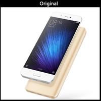 xiaomi 4g toptan satış-Orijinal Xiaomi Mi5 Mi 5 4G LTE Cep Telefonu 32 GB / 64 GB ROM 3 GB RAM Snapdragon 820 Dört Çekirdekli 5.15