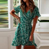 bornoz kadınları sarar toptan satış-Kadın Elbiseler Yaz 2019 Seksi V Boyun Çiçek Baskı Boho Plaj Elbise Fırfır Kısa Kollu A Hattı Mini Elbise Wrap Sundress Robe