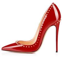 sapatos vermelhos de meninas venda por atacado-Mulheres sapatos de salto alto sapatos de festa de moda rebites meninas sexy apontou toe sapatos bombas sapatos de casamento verde azul cor vermelha