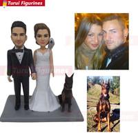anillos de boda pastel de cumpleaños al por mayor-Turui Figurines personalizados invitación de boda cake topper vestido trajes anillo personalizado con nombre y fecha regalo de boda pegatina