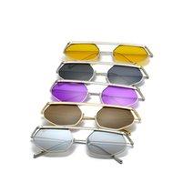 gelbe uv-sonnenbrille großhandel-Kleidung Dekoration Sonnenbrille Metallrahmen Brille Männer Und Frauen Brillen Anti Uv Schwarz Gelb Bardian Die Neue 18xf C1
