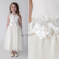 Wholesale simple purple flower girl dresses resale online - 2019 Cheap simple Lovely pure white long Flower Girls Dresses for wedding Lace Tulle Little Girls Formal Wedding Party Gowns custom made