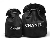 kozmetik berabere toptan satış-2019 Klasik logo İpli Spor Kova Çanta Kalın Seyahat Beraberlik Dize Çanta Kadın Su Geçirmez Yıkama Çanta Kozmetik Makyaj Saklama Kutusu vip hediye