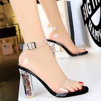 sandalia de tacón grueso transparente al por mayor-mujeres de la manera zapatos de verano 2019 sandalias atractivas de los zapatos transparentes grueso mujer de los talones de las sandalias de los zapatos Zapatos de mujer sandalias de las mujeres sandalias