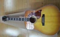geteilte gitarre groihandel-Benutzerdefinierte Humming Wüste Honig Sunburst akustische elektrische Gitarre, Split Parallelogramm Griffbrett Inlay, Rot Schlagbrett, Fishman 101 301 Pickups