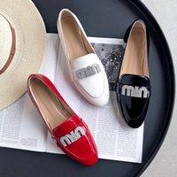 ayakkabı beyaz ofis toptan satış-Sıcak Satış-En Kaliteli Ofis Elbise Düz Ayakkabı Hakiki Deri Kadın Loafer'lar Ayakkabı Moda Mektup Tasarım Rahat Ayakkabılar Kırmızı Siyah beyaz