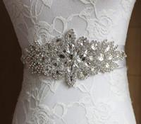 luxuriöse hochzeiten großhandel-2019 Neue Hochzeit Schärpen Handgemachte Luxuriöse Perlen Strass Kristalle Hochzeit Gürtel für Hochzeiten Kleider auf Lager Fabrik Lieferant