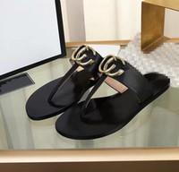 sandalias de mejor diseñador al por mayor-Sandalias de las mujeres zapatos de diseño de lujo de diapositivas de verano mejor moda ancho sandalias resbaladizas planas zapatillas Flip Flop xx19042301