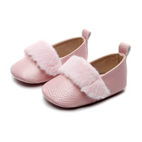 Wholesale newborn size leather walkers resale online - toddler shoes baby shoes infant shoes fur Moccasins Soft First Walker Shoe leather Newborn Shoe Baby Footwear t A5765