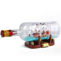 ingrosso bloccare i pirati giocattolo-Nuovi blocchi creativi serie pirata bottiglia nella barca randagio bottiglia puzzle assemblato blocchi di giocattoli