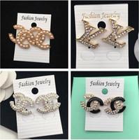 amethyst schmuck ohrringe großhandel-Marke Klassische Kristall Brief Ohrstecker Modeschmuck Für Frauen Aussage Imitation Perle Ohrringe Schmuck