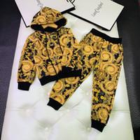 kıyafetler toptan satış-Boy kapşonlu kazak setleri çocuklar tasarımcı giyim kapüşonlu kazak + pantolon 2 adet sonbahar saf pamuk kumaş setleri zincir çiçek eleman tasarımı