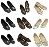 pisos de arco de otoño al por mayor-2019 zapatos de diseñador de marca para mujer de lujo Otoño Casual zapatos de mujer talones planos Moda arco glittler zapato Punta Redonda Suave k suelas mujeres 29 Color