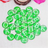 lettres à dos plat achat en gros de-100 pièces lettres vertes bricolage rondes perles de verre cabochon dômes dos plat perles de verre bijoux trouver pendentif paramètres G1076