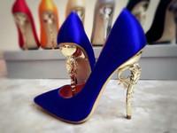 salto alto azul casamento venda por atacado-Novo Designer de Calçados Femininos de Salto Alto Sexy Vermelho Balck Azul Royal Casamento Sapatos De Noiva 2019 Verão Desgaste Do Partido de baile de finalistas