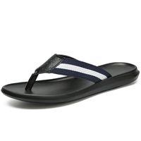 мужская мода кожаные тапочки оптовых-2019 Summer Men Shoes Fashion Men Flip Flops Trendy Anti-slip Leather Casual Shoes Classic Massage Beach Slippers