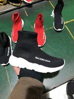 bota alta elástica mujer al por mayor-Marca de alta calidad unisex zapatos casuales calcetines de moda plana botas mujer nuevo Slip-on tela elástica Speed Trainer hombre zapatos al aire libre