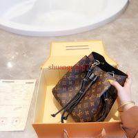 yeni hat kozmetik toptan satış-Yeni Marka kova yeni Seyahat Çantası moda küçük Kozmetik çanta Geniş omuz askısı kadın Sırt Çantası kız zincir çanta L-4