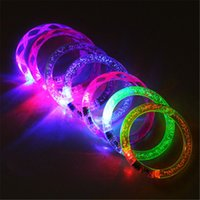 bangle boy achat en gros de-LED Dance Bangle Cartoon Watch Garçons Filles Flash Wrist Band Light Bracelets pour Anniversaire Halloween Brillant Parti Fournitures B