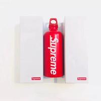 neue tasse design großhandel-18SS Reisende Wasserflasche SUP neues Design Aluminium-Sportflaschen kreatives bewegliches Wasser-Schalen-Weihnachtsgeschenk Trinkgefäße