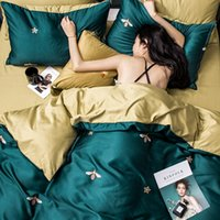housses de couette vertes king size achat en gros de-King Size Bedding Set Luxury Bedding Sets 4pcs Duvet Cover Set Pillowcases Bed Sheet Double Bed Spread Cover Set Green Red T200706