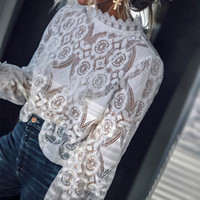 häkelkragen langes hemd großhandel-Spitze häkeln aushöhlen weiß frauen hemden rüschen langarm transparent stehkragen damen blusen 2019 elegante mode tops