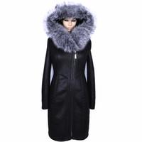 mujeres sexy abrigos gruesos al por mayor-Fábrica de suministro directo de invierno larga piel de imitación de las mujeres capa de gran tamaño cuello de piel artificial de la moda de plata gruesa felpa delgado atractivo