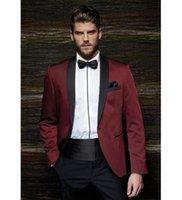 56 gürtel großhandel-XLY 2019 Mode One Button Burgund Bräutigam Smoking Bräutigam Herren Hochzeitsanzüge Ballkleid Hochzeitskleidung Herrenanzug JacketPants Gürtel
