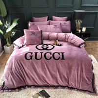ingrosso biancheria da letto di design rosa-biancheria da letto rosa 4 pezzi Set Stripe Design Copripiumino europeo e americano Logo popolare Stampa Summer Bedding Suit