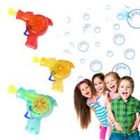 sabão de iluminação venda por atacado-Brilhando Light Up Bubble Gun Shooter Bolha De Sabão Blower Brinquedos Para Crianças Ao Ar Livre chlidren brinquedos de Banho EEA492