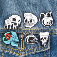 ingrosso spille in pelle-Punk Skeleton Pins Skull Brooches Perni con risvolto scuro Borsa da sacco Cappello Giacche in pelle Accessorio di moda Regalo di Halloween per uomo Unisex