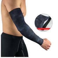 ingrosso braccio protegge-Camping Sports 1 Pc Manicotto per il braccio Buona protezione ciclismo polsino pallavolo Golf maniche maniche scaldamuscoli UV Proteggi copertura per braccio