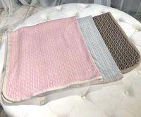 couvertures tricotées nouveau-né achat en gros de-FF Tricoté Bébé Couverture Chandails Trois Couleur Une Taille Automne Hiver Infant Swaddling Nouveau-Né Couvertures À Tricoter