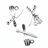 cuchillo de plata antiguo al por mayor-150 unids Charm Knife y joyería que hace plata antigua y para k encantos 14x20mm