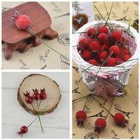ingrosso piccole bacche artificiali-Il nuovo disegno 100PCS mini falso vetro frutto del melograno piccole bacche fiori artificiali rosso ciliegia Stame Matrimonio Natale decorativo