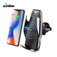 s5 montaj toptan satış-10 W Kablosuz Araç Şarj S5 Otomatik Sıkma Hızlı Şarj Telefon Tutucu iPhone için arabada Montaj xr Huawei Samsung Akıllı Telefon