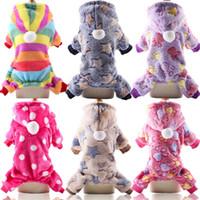 hund kleidung streifen großhandel-Flanell-Welpe mit Kapuze Haustier-Hunde-Kleidung bunte Streifen Buttoncat gedruckt warme weiche Mode Winter Hundekleid